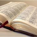Las Sagradas Escrituras nos manifiestan los misterios de Dios